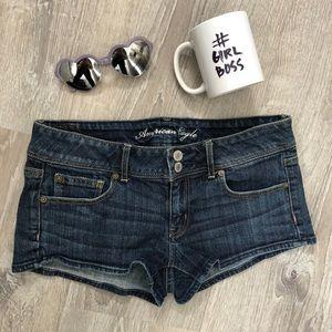 AE Short shorts!